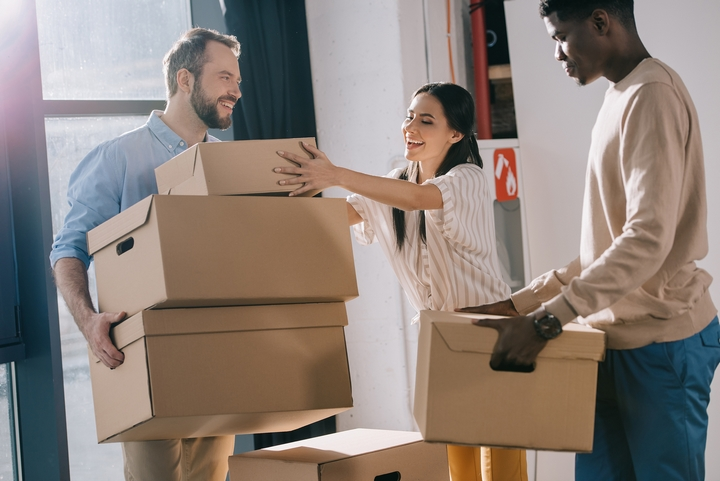 7 Tricks to Convince Your Friends & Family to Help You Move