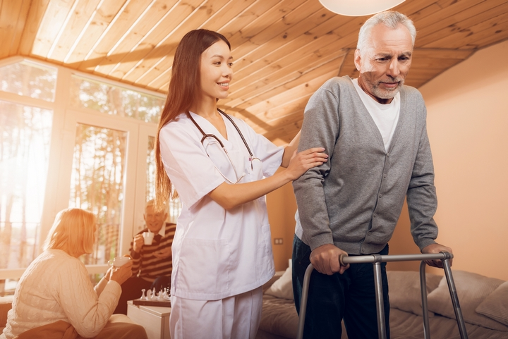 How Do Home Health Care Centers Actually Work?