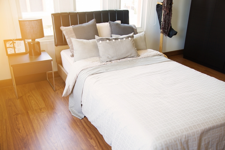 7 Essential Furnishings for a Comfortable Guest Bedroom