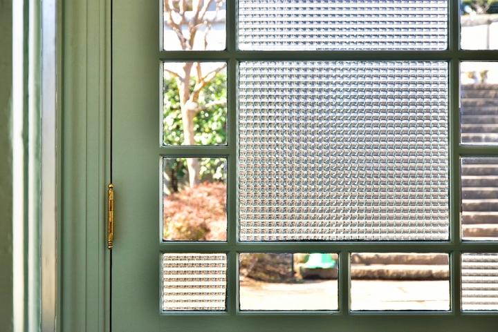6 Benefits of Door Inserts in Your Home