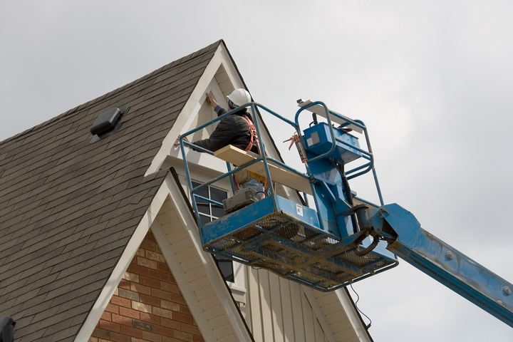 7 Essential Roof Maintenance Tips and Tricks